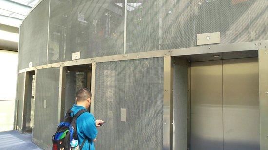 Andaz London Liverpool Street: Elevators