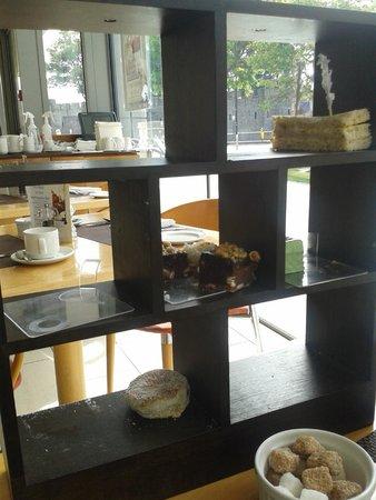 Razzi Restaurant: Now You Dont