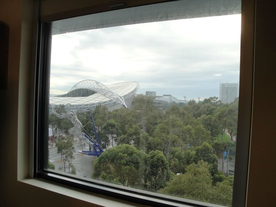 Ibis Budget Sydney Olympic Park Hotel: cloudy days helped mask dirt on windows!