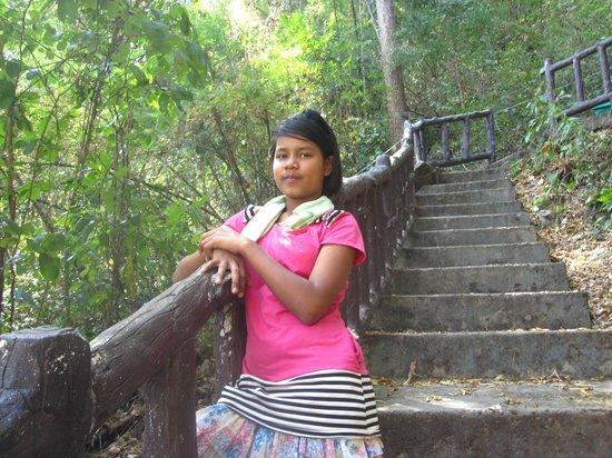 Kaeng Lawa Cave : Une des fillettes thaï qui nous a servie de guide
