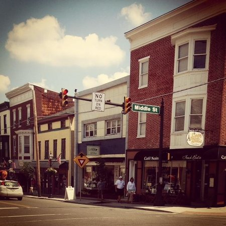 Cafe Saint-Amand: the corner of Baltimore & Middle