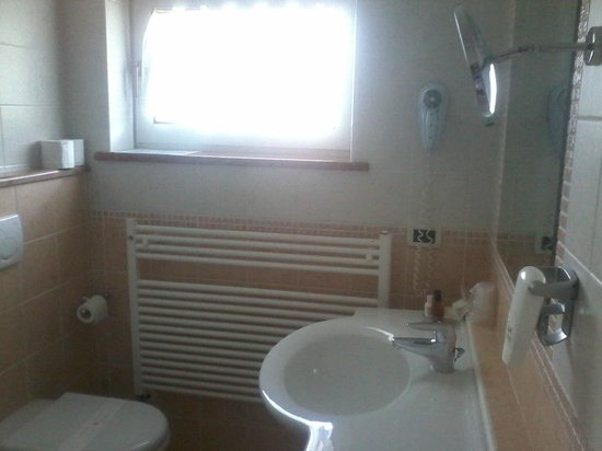 Hotel Nordik: bagno spazioso