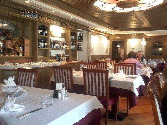 Hotel Nordik : sala ristorante elegante
