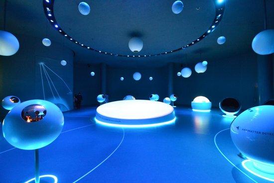 CERN Univers de particules: ЦЕРН