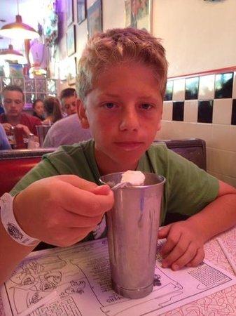 Doo Wop Diner: Cookie Dough Milkshake!