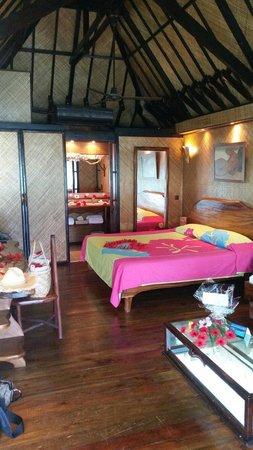 Vahine Island - Private Island Resort: Chambre bungalow pilotis