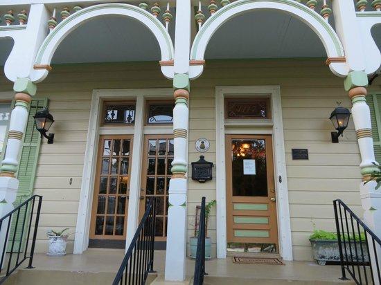 Maison Perrier: Entrance main house