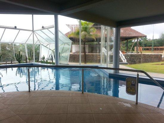 Recanto Cataratas Thermas Resort & Convention: piscina coberta,água bem quentinha