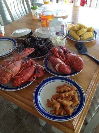 Driftwood Motel: Lobster Feast! Thanks for the use of the lobster pots!
