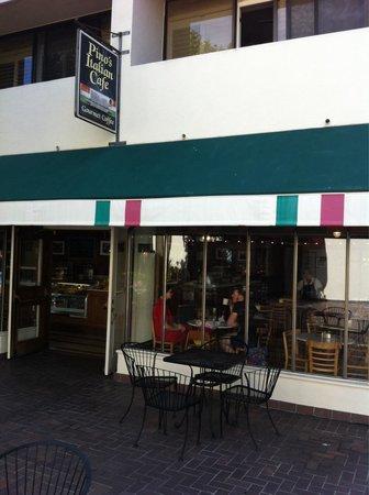 Pino's Italian Cafe