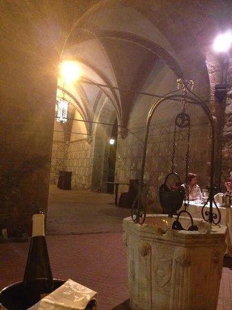 Ristorante Castello Dell'Oscano : vista del castello dal tavolo
