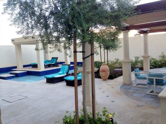 The St. Regis Saadiyat Island Resort: Contemporary Spa Suite - private garden