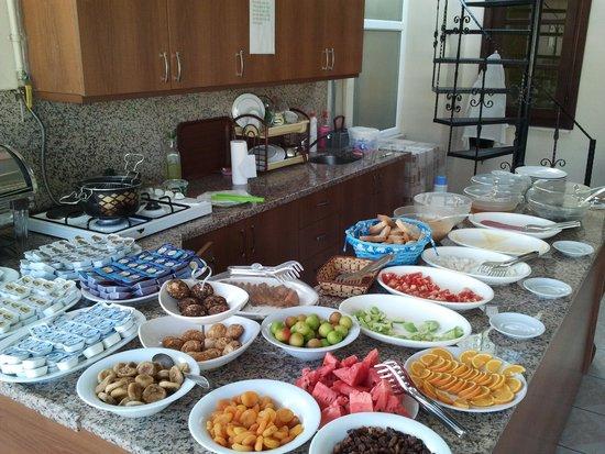 Gul Sultan Hotel: Breakfast, buffet