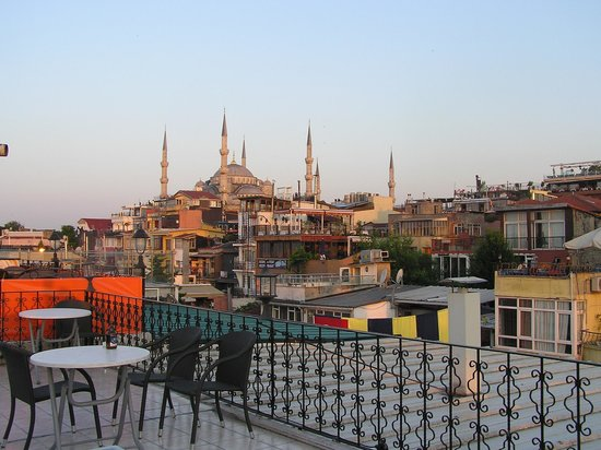 Gul Sultan Hotel: View from the upper terrace of the hotel