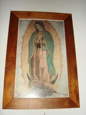 Monasterio Cistercense Santa Maria del Paraiso : Virgen de Guadalupe on the altar of the chapel
