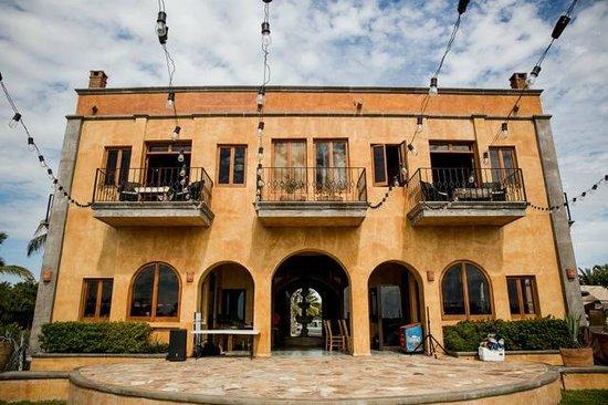 Villa Santa Cruz: Bistro lights