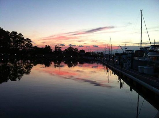 The Inn at Osprey Point: Gorgeous summer sunset on the docks