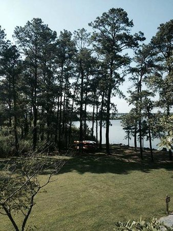 The Inn at Osprey Point : Side window view from Bolero Room