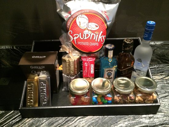 The Adelaide Hotel, Toronto : Some mini-bar items
