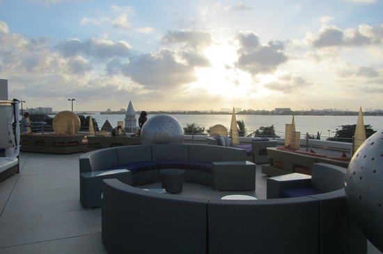Grand Park Royal Cancun Caribe: Atardecer en el Lounge