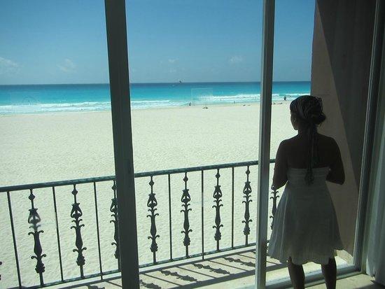 Grand Park Royal Cancun Caribe: Habitación de las Villas