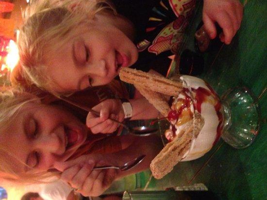 No Way Jose's Cantina : Churro sundae