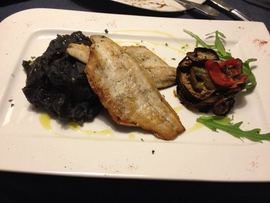 Antico Caffe: Рыба и серный картофель