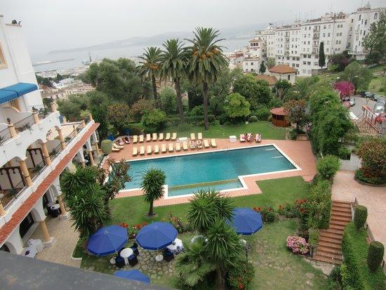 El Minzah Hotel : piscina