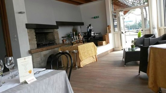 La veranda estiva - Picture of Le Terrazze Del Fiore, Peschiera del ...