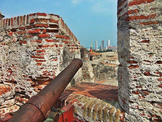 Château de San Felipe de Barajas : Desde los cañones...