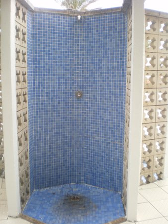 El Delfin Verde: doccia bordo piscina