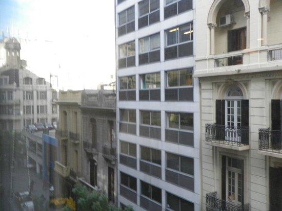 Melia Buenos Aires: Vista izquierda desde habitación