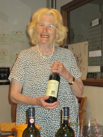 Tuscan Wine Tours by Grape Tours : The first lady of our tour! Franca