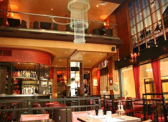 Vesuvio caf champs elysees picture of pizza vesuvio paris tripadvisor - Restaurant cuisine francaise paris ...