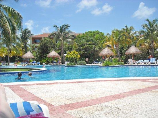 Grand Bahia Principe Coba : One of the fantastic pools, never busy