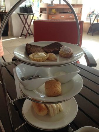 BodyHoliday Saint Lucia : afternoon tea in the Clubhouse
