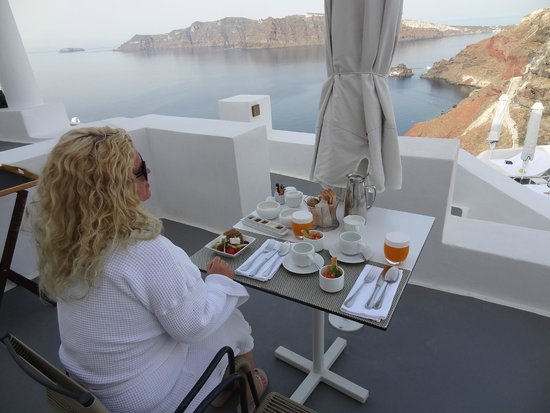 Katikies Hotel: Breakfast with a view!