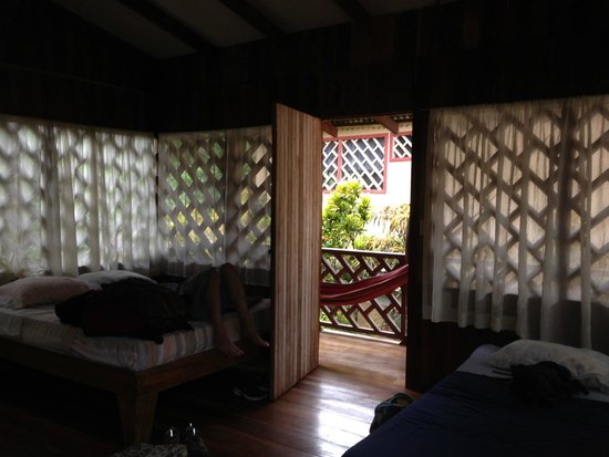 Cabinas Talamanca: 3 beds, 1 hammock, no a/c  Perfect!