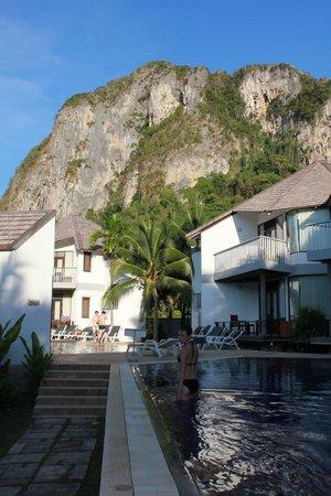 Peace Laguna Resort and Spa : вид из отеля