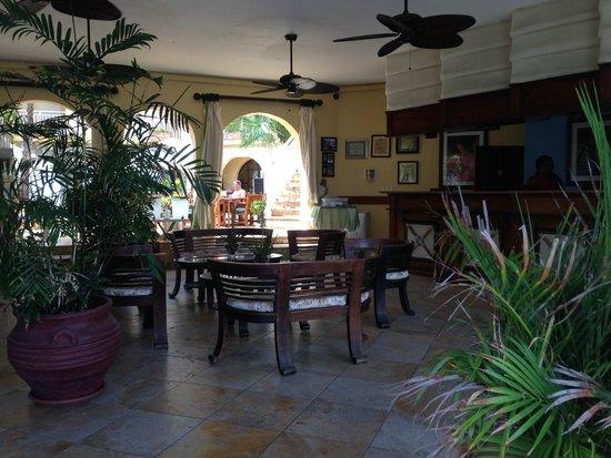 Oyster Bay Beach Resort : Main lobby/front desk
