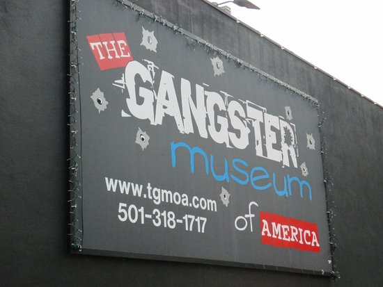 Gangster Museum of America: sign