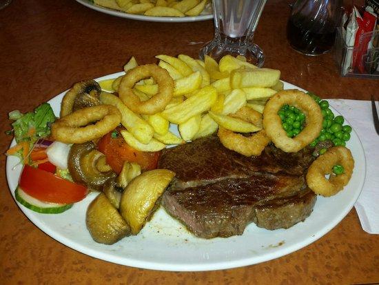 Oceans Cafe: Juicy steak meal