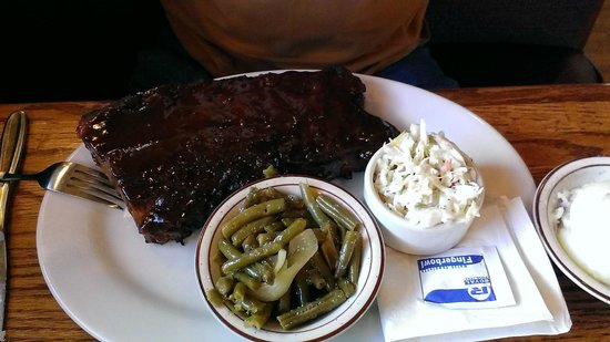 Hank's Grille & Bar: Whisky BBQ Ribs w/green beans and slaw sides