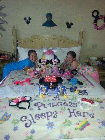 Disney's Paradise Pier Hotel: My girls loved the room!