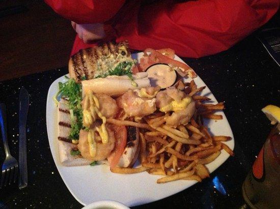 Mac's Tavern: Po Boy