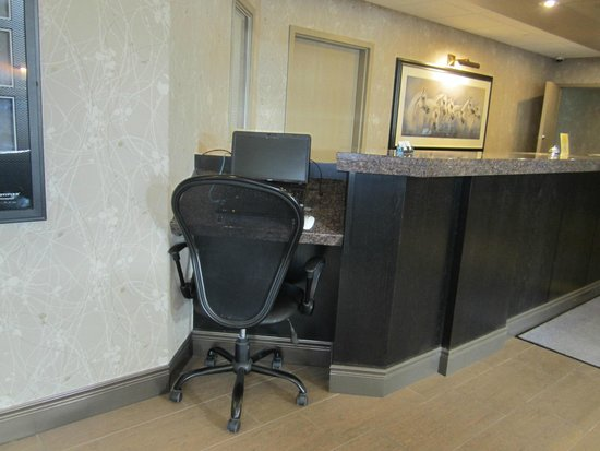 Days Inn & Suites Brandon: Handy computer centre