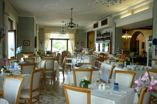 Hotel Rigoli: The dining room.