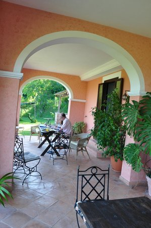 La Vecchia Quercia: Terras bij de kamer op de begane grond voorzijde
