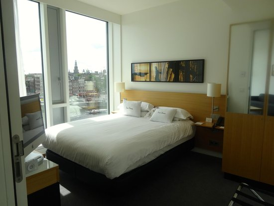 DoubleTree by Hilton Hotel Amsterdam Centraal Station: Junior Suite bedroom
