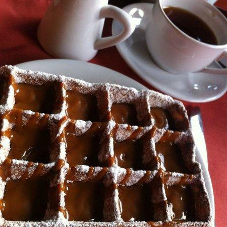 Hotel L'Auberge: Famos waffle.